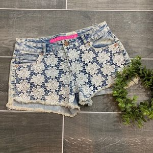 Tinseltown cute floral lace short shorts